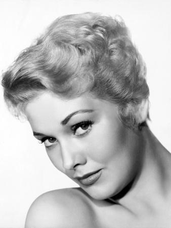 Kim Novak in the 50's (b/w photo)