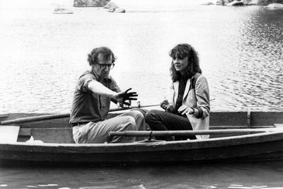 Woody Allen and Diane Keaton MANHATTAN, 1979 directed by Woody Allen (b/w photo)