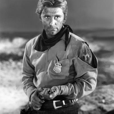 Une corde pour te pendre ALONG THE GREAT DIVIDE by Raoul Walsh with Kirk Douglas, 1951 (b/w photo)