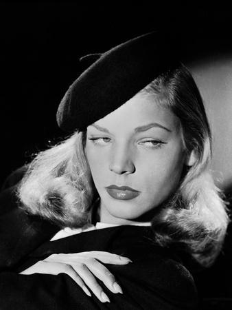 Lauren Bacall en, 1946 (b/w photo)