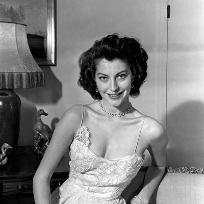 Ava Gardner early 50'S (b/w photo)
