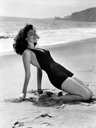 Ava Gardner in the 40's (b/w photo)