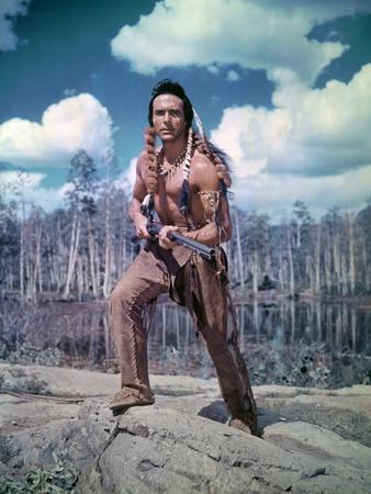 ACROSS THE WIDE MISSOURI, 1951 directed by WILLIAM WELLMAN with Ricardo Montalban (photo)