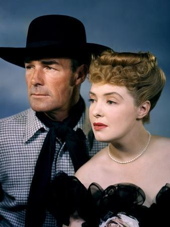 BADMAN'S TERRITORY, 1946 directed by TIM WHELAN Randolph Scott and Ann Richards (photo)