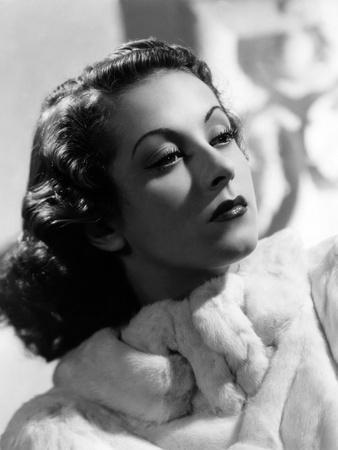 Danielle Darrieux, 1938 (b/w photo)