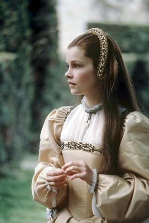 ANNA OF THE THOUSAND DAYS, 1969 directed by CHARLES JARROTT Genevieve Bujold (photo)