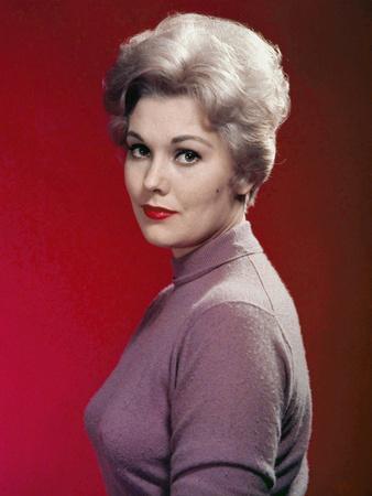 Kim Novak, 1956 (photo)