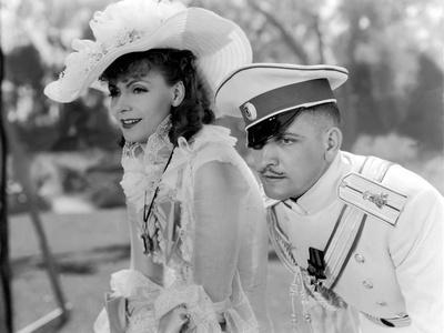 Anna Karenina by Clarence Brown, based on a novel by Leo Tolstoi, with Greta Garbo, Fredric March,