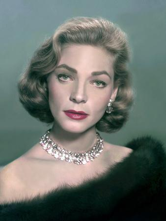 L'actrice americaine Lauren Bacall, c. 1957 --- American actress Lauren Bacall, c. 1957 (photo)