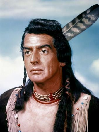 Victor Mature CHIEF CRAZY HORSE, 1955 directed by GEORGE SHERMAN (photo)