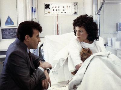 ALIENS, 1986 directed by JAMES CAMERON with Paul Reiser and Sigourney Weaver (photo)