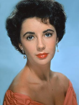 ELIZABETH TAYLOR early 50'S (photo)