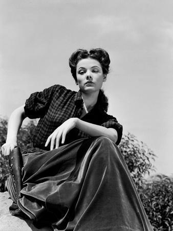 BELLE STARR, 1941 directed by IRVING CUMMINGS Gene Tierney (b/w photo)