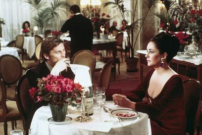 ASH WEDNESDAY, 1973 directed by LARRY PEERCE Helmut Berger and Elizabeth Taylor (photo)