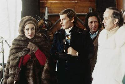 ASH WEDNESDAY, 1973 directed by LARRY PEERCE Elizabeth Taylor and Helmut Berger (photo)