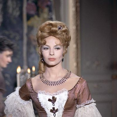 ANGELIQUE and LE ROY, 1965 directed by BERNARD BORDERIE Michele Mercier (photo)