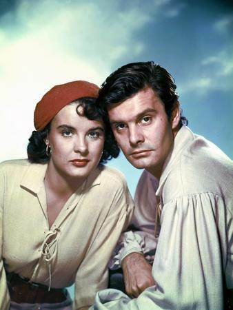 ANNE OF THE INDIES, 1951 directed by JACQUES TOURNEUR Jean Peters and Louis Jourdan (photo)