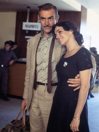 Sean Connery / Brooke Adams CUBA, 1979 directed by RICHARD LESTER (photo)