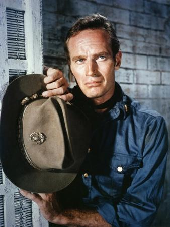 55 DAYS IN PEKING, 1963 directed by NICOLAS RAY with Charlton Heston (photo)