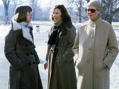 Mary Beth Hurt, Diane Keaton and Maureen Stapleton. INTERIORS YOU, 1978 directed by Woody Allen (ph