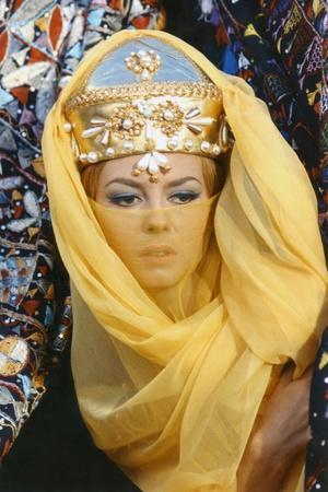 ANGELIQUE and LE SULTAN, 1968 directed by BERNARD BORDERIE Michele Mercier (photo)
