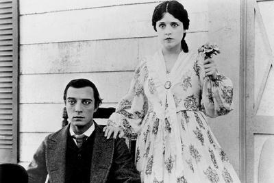 Le mecano by la General THE GENERAL by and with Buster Keaton, Marion Mack, 1927 (b/w photo)