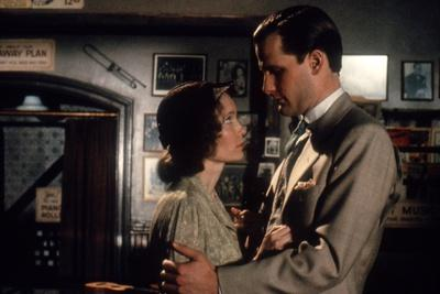 Mia Farrow and Jeff Daniels PURPLE ROSE OF CAIRO, 1985 directed by WOOD Y ALLEN (photo)