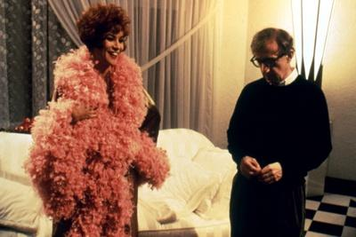 On the set, Woody Allen directs Jennifer Tilly (photo)