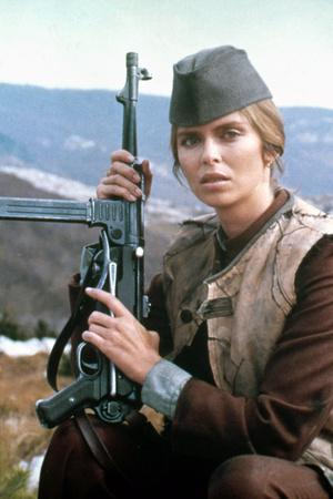 10 FROM NAVARONE, 1978 directed by GUY HAMILTON with Barbara Bach (photo)