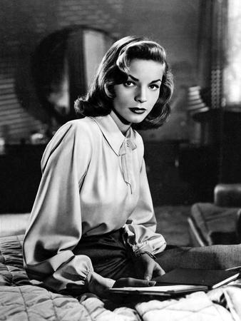 DARK PASSAGE, 1947 directed by DELMER DAVES Lauren Bacall (b/w photo)