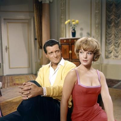 DIE HALBZARTE / EVA ou CARNET INTIME by JEUNE FILLE, 1958 DIRECTE Carlos Thompson and Romy Schneide