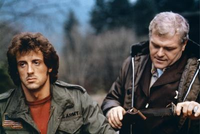 FIRST BLOOD, 1982 directed by TED KOTCHEFF Sylvester Stallone and Brian Dennehy (photo)