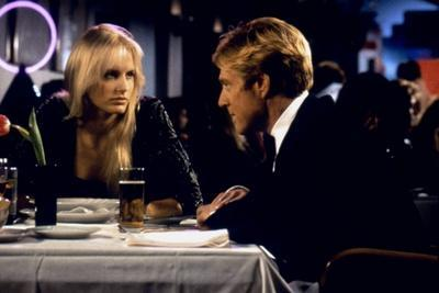 LEGAL EAGLES, 1986 directed by IVAN REITMAN Darryl Hannah and Robert Redford (photo)