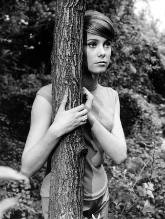 L'HOMME A FEMMES, 1960 directed by JACQUES-GERARD CORNU Catherine Deneuve (b/w photo)