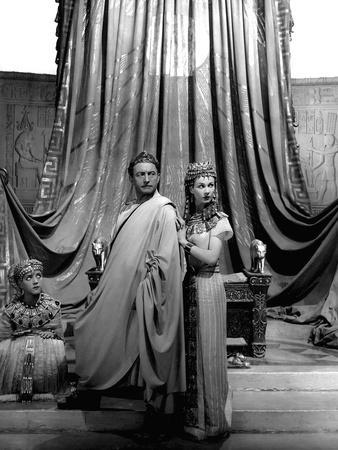 Cesar and Cleopatre CAESAR AND CLEOPATRA by GabrielPascal with Anthony Harvey, Claude Rains, Vivien