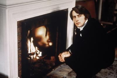 THE LITTLE GIRL WHO LIVES DOWN THE LANE, 1976 directed by NICOLAS Martin Sheen (photo)