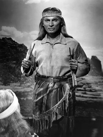 BROKEN ARROW, 1950 directed by DELMER DAVES Jeff Chandler (b/w photo)