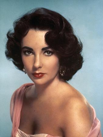 ELEPHANT WALK, 1954 directed by WILLIAM DIETERLE Elizabeth Taylor (photo)