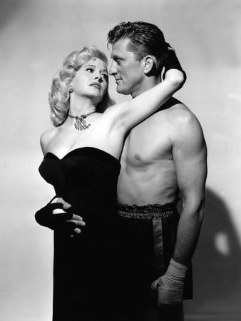 LE CHAMPION by MarkRobson with Kirk Douglas and Marilyn Maxwell, 1949 (b/w photo)