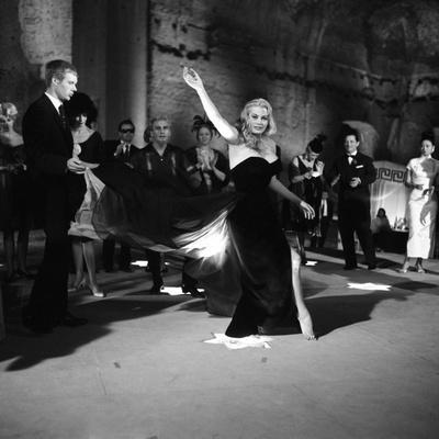 La Dolce Vita (1960) | Italian movie posters, Classic