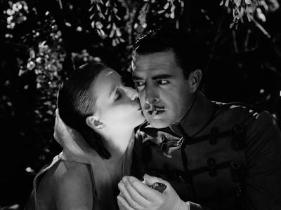 FLESH AND THE DEVIL, 1927 directed by CLARENCE BROWN Greta Garbo / John Gilbert (photo)