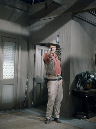 EL DORADO, 1967 directed by HOWARD HAWKS John Wayne (photo)
