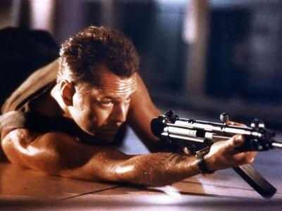 DIE HARD, 1988 directed by JOHN Mc TIERNAN Bruce Willis (photo)