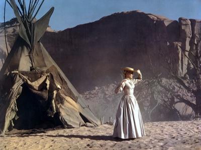 CHEYENNE AUTUMN, 1964 directed by JOHN FORD Carroll Baker (photo)