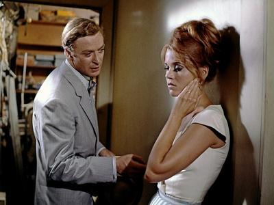 HURRY SUNDOWN, 1967 directed by OTTO PREMINGER Michael Caine and Jane Fonda (photo)