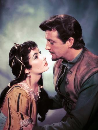 IVANHOE, 1952 directed by RICHARD THORPE Elizabeth Taylor / Robert Taylor (photo)