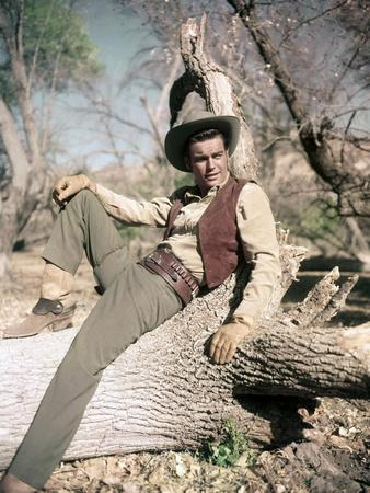BROKEN LANCE, 1954 directed by EDWARD DMYTRYK Robert Wagner (photo)