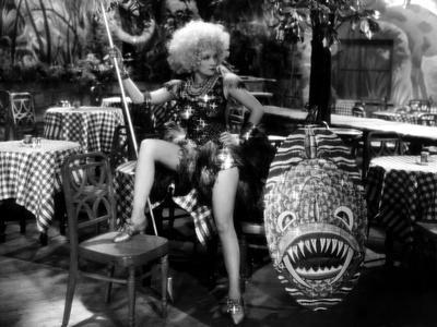 BLONDE VENUS, 1932 directed by JOSEF VON STERNBERG Marlene Dietrich (b/w photo)