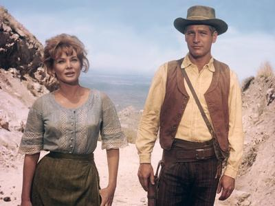 HOMBRE, 1967 directed by MARTIN RITT Diane Cilento and Paul Newman (photo)
