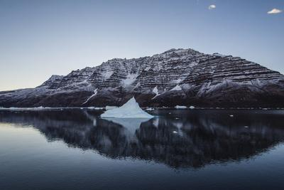 Greenland. Scoresby Sund. Gasefjord, icebergs and calm water.